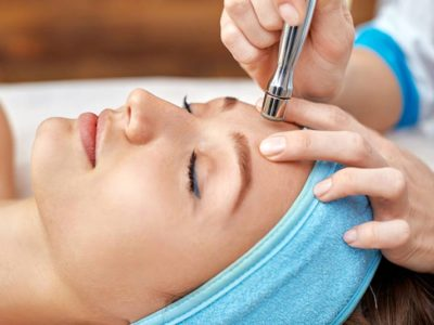 Microdermabrasion Benefits and Side Effects